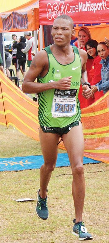 Ettiene Plaatjies wat Saterdag tweede in die Kango Marathon was.     Foto: Higgo Jacobs